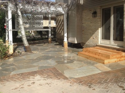 Idaho Gold Flagstone Patio with Cedar Steps   Flagstone Patio in Park Ridge Paver Patio Steps