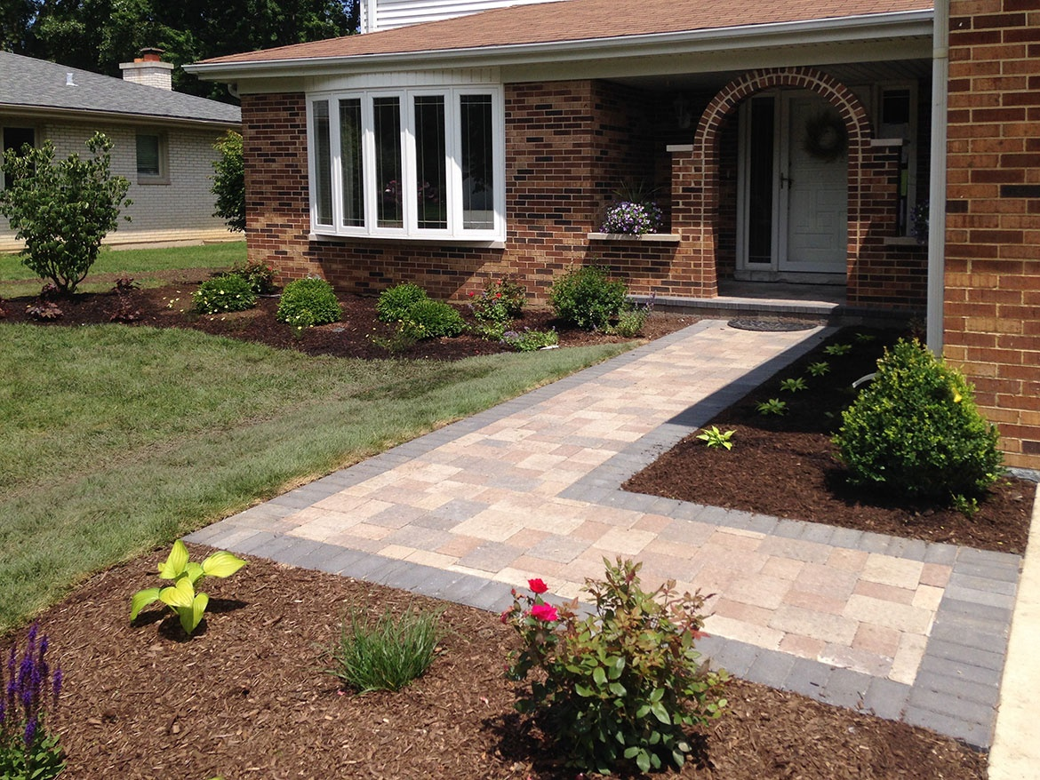 Unilock Olde Greenwich Cobble Pavers With New Landscaping Front Entrance Remodel In Arlington Heights Paver