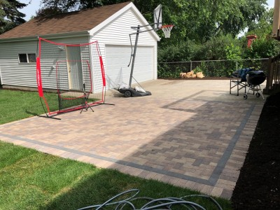 Finished paver patio with Hollandstone by Unilock